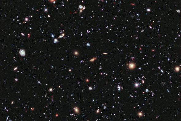 这一最新研究支持了暗能量是在宇宙膨胀阶段产生的理论