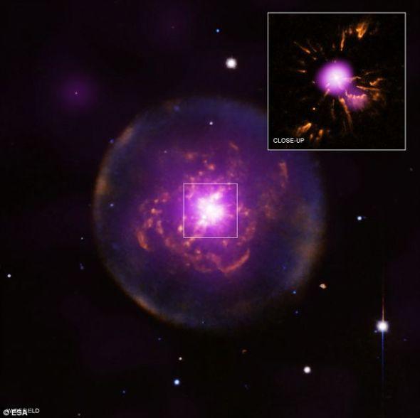 重生的行星状星云Abell 30。太阳也可能在未来几十亿年时间里面临同样的命运