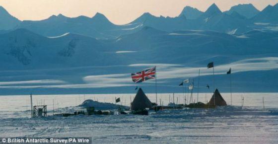 英国南极调查局2012年12月放弃钻探埃尔斯沃斯湖的尝试。