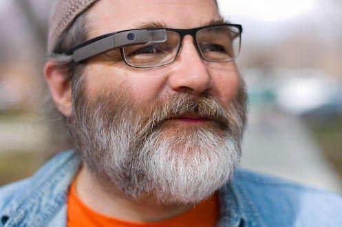 用户即使佩戴眼镜,也可以使用Google Glass
