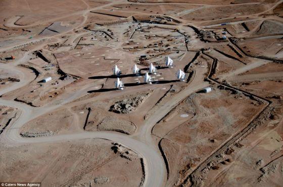 ALMA 位于海拔5000米高的安第斯山区