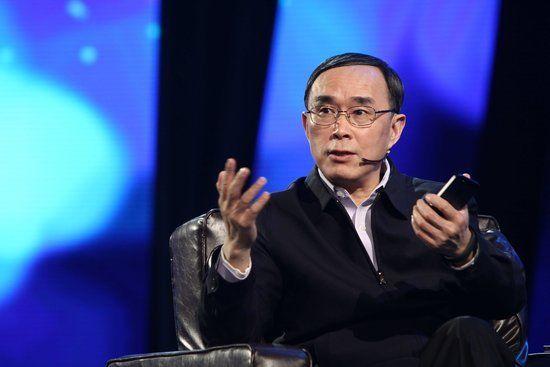 中国联通董事长常小兵今日在2013深圳IT领袖峰会上,对于近日运营商向微信收费的传闻进行表态