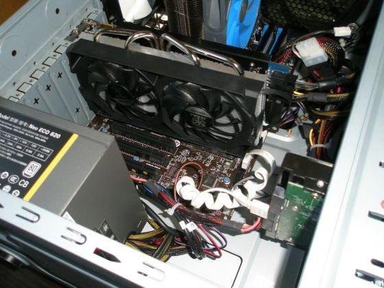 对电脑发烧友来说,机箱打开的场景再熟悉不过,但那个时代似乎已经越来越遥远了。