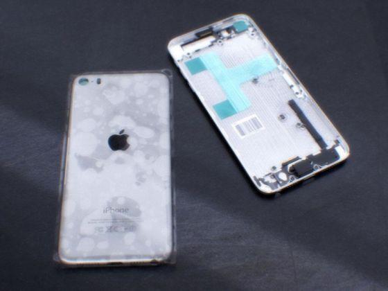 背部设计与iPod touch多有类似