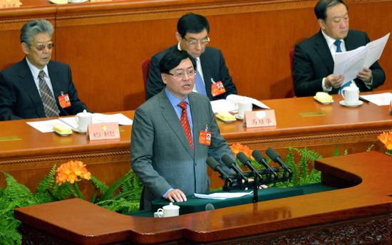 3月9日,全国政协委员、联想集团董事会主席杨元庆在全国政协会议上发言。