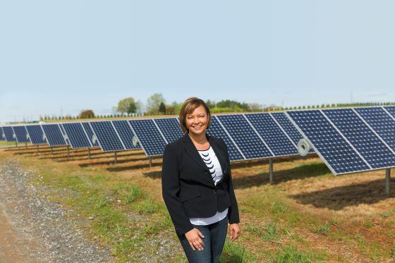 苹果公司副总裁丽莎-杰克森(Lisa Jackson)