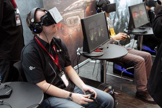 此次收购是为Oculus Rift虚拟现实头盔年底上市销售做准备