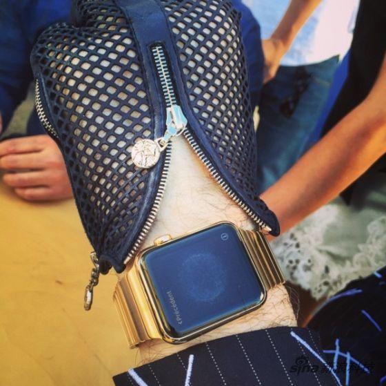 时尚老佛爷也戴苹果金表