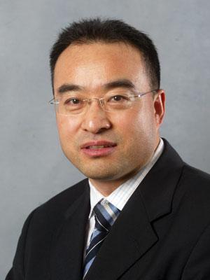 图为大连万达集团股份有限公司副总裁尹海.