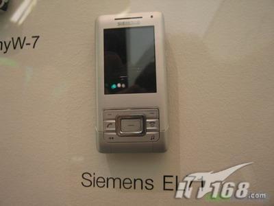 纯白优雅西门子时尚滑盖手机EF71曝光