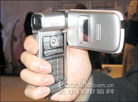 拍照王者诺基亚翻盖智能N93行货售3680