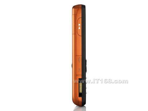 橙黑风情索爱超薄音乐机W610i仅1480