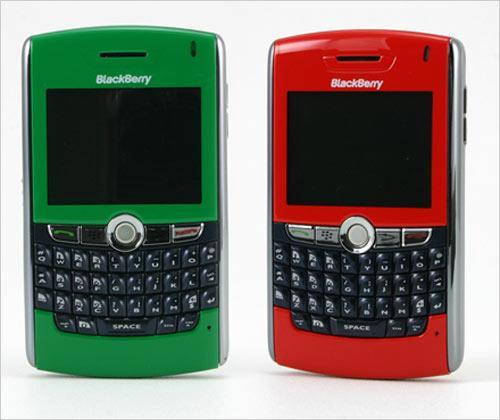 装扮多彩圣诞 黑莓8800多色彩闪耀登场_手机