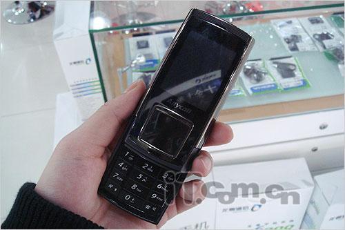 320万像素三星巧克力手机E958行货上市