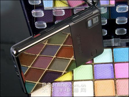 320万像素三星时尚阿玛尼手机P520评测