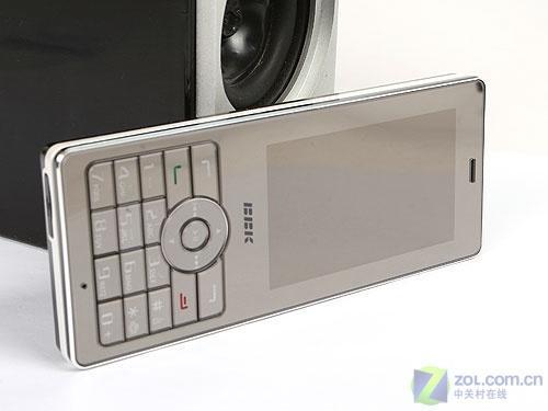200万像素超薄步步高镜面手机i8详细评测