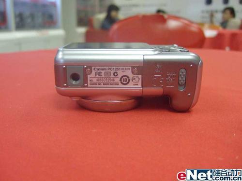 双重防抖手动DC佳能A720送1G卡1999元