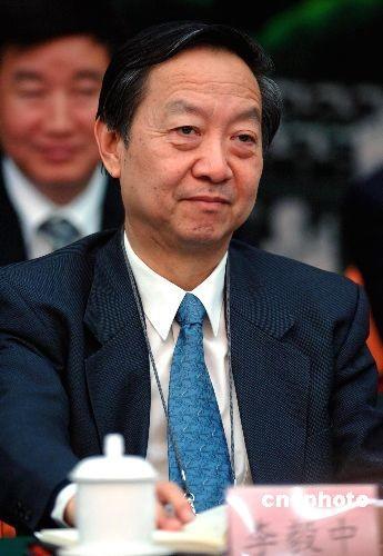 """部长档案:""""救火队长""""李毅中"""