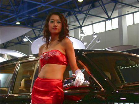北京国际汽车展览买个单反拍香车美女