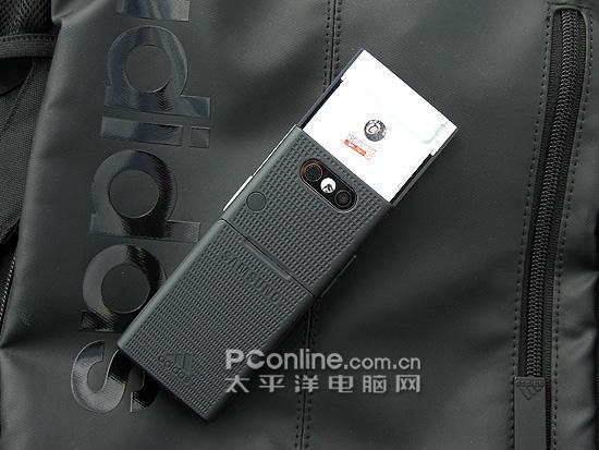 阿迪达斯版三星运动滑盖手机F110欣赏