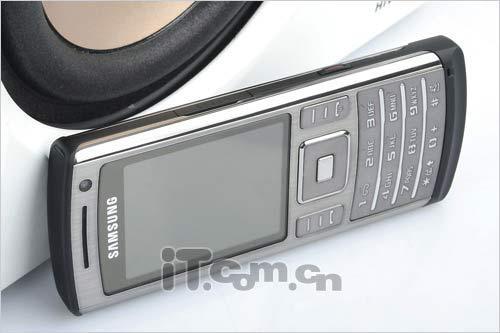 为你挡子弹五款纤薄型金属手机推荐(5)