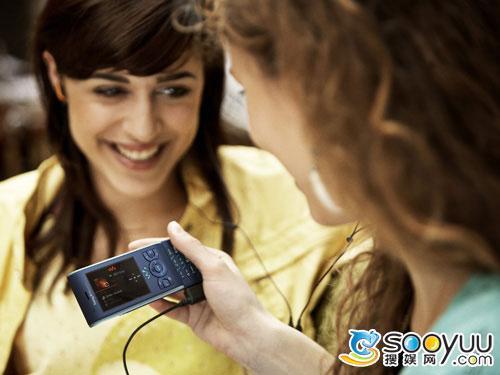 靓丽风情索爱滑盖音乐手机W595评测