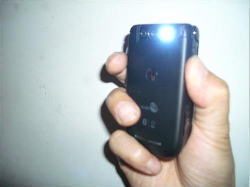 物尽所用摩托罗拉A1600变身手电筒技巧