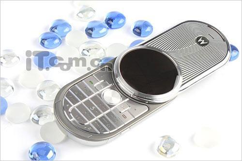 圆形显示屏 摩托罗拉奢华手机AURA评测 13图片