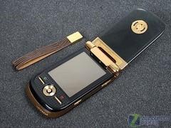 华贵外形摩托罗拉A1600黄金版售4800
