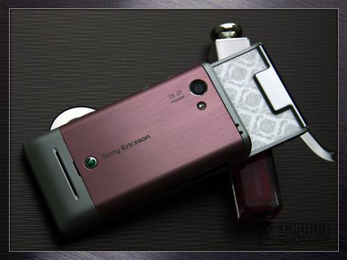 玩转开心网索尼爱立信3G滑盖T715评测
