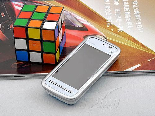 最高差价四千不同价位时尚手机选购攻略