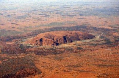 澳沙漠罕见暴雨景点岩石现瀑布奇观(图)