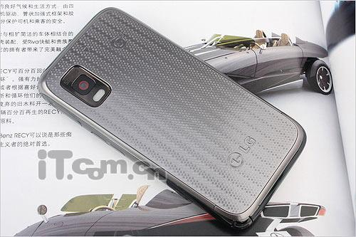 3.5英寸触摸屏LG智能TD手机GW880评测