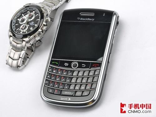 C网商务旗舰 全键盘黑莓9630低价到货