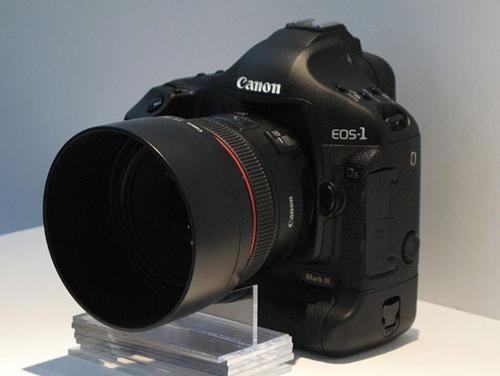 全画幅单反相机佳能1DsMarkIII售42000元