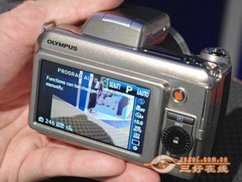 具有30倍光学变焦奥林巴斯SP800售价2800