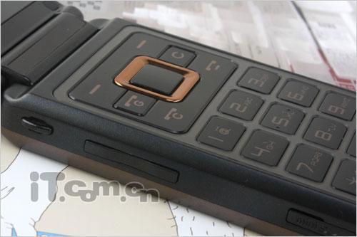 双屏商务佳作酷派天翼3G手机D550评测