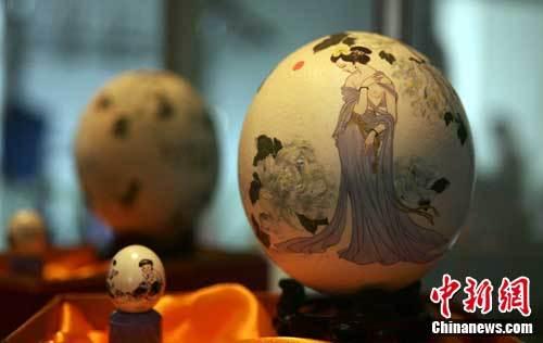 山西画家创作彩蛋绘画24年绘制千余作品(组图)
