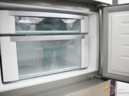 亮面材质彰显不同 海尔三门冰箱5180元