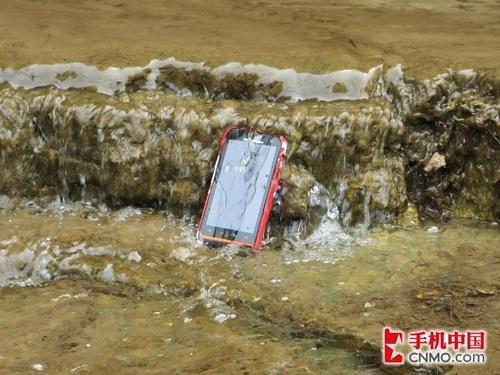 三防安卓手机摩托罗拉XT536十渡游水记(3)