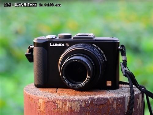 全新高规格镜头松下LX7相机仅为2199元