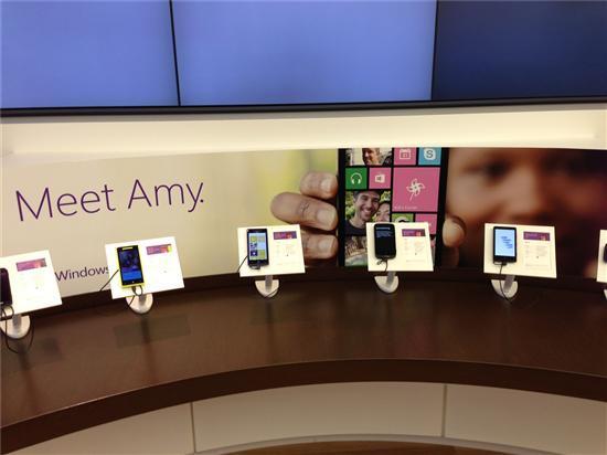 紧邻苹果零售店微软圣荷西专卖店探秘