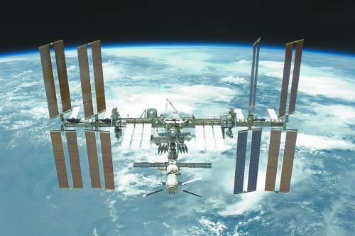 安置在国际空间站的阿尔法磁谱仪(AMS)。