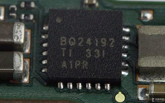 1888元英特尔CPU跑分王 中兴GEEK拆机