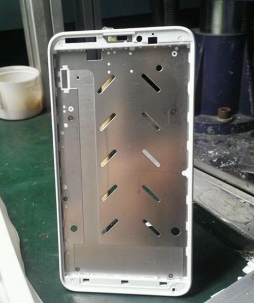 5.5英寸屏幕?小米手机4中框谍照曝光