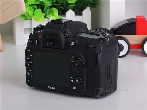 尼康D7100是今年最受摄影爱好者关注的中端单反新品,2400万的超高图片