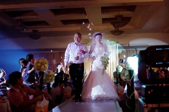 抓取稍纵即逝的瞬间 婚礼摄影实用摄影技巧(6
