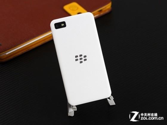 拥有大触屏设计 黑莓Z10商家报价1425元