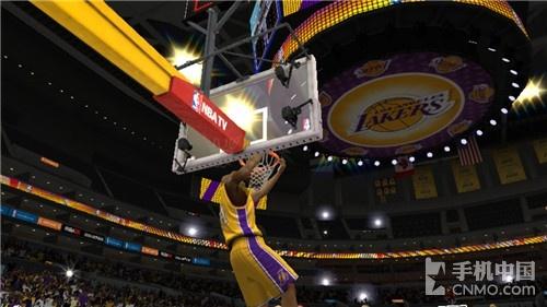 科比詹姆斯强强对话 《NBA 2K15》评测|NBA