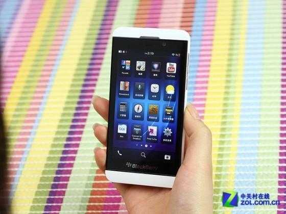 全触屏时尚手机 黑莓Z10商家报价1699元